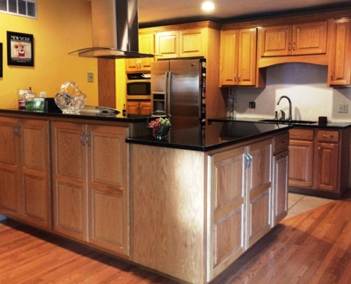 portfolio-kitchen-cabinet-double-door-solid-wood-panels-entire-kitchen-set-installed